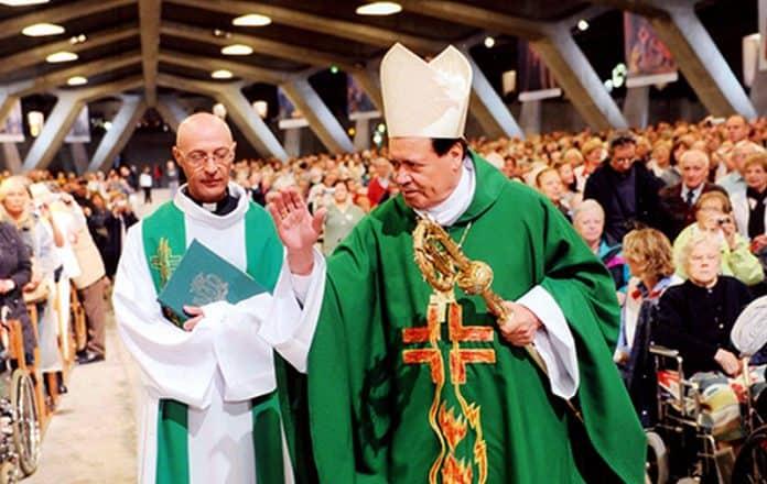 Renuncia Cardenal Norberto Rivera