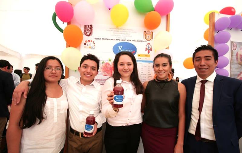 Alumnos del IPN crean bebida especial para diabéticos