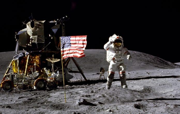 Fallece John Young NASA