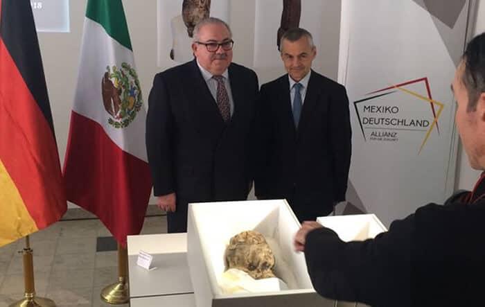 México recupera piezas olmecas de más de 3 mil años de antigüedad