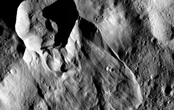 Sonda Dawn planeta Ceres