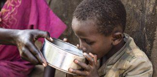 agua contaminada para los niños en conflictos UNICEF